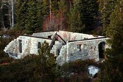 Verlassenes Ziegelstein-Gebäude Stockfotos