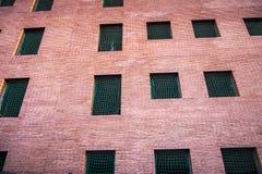 Verlaten aparmentsbouw in Sant Cugat del Valles Stock Afbeeldingen