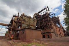 Verlaten chemische fabriek royalty-vrije stock afbeeldingen