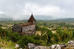 Verlaten christelijke kerk Stock Afbeeldingen