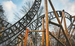 Verlaten de achtbaanrit van het themapark royalty-vrije stock foto's