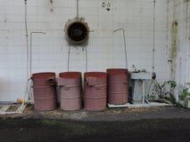 Verlaten die fabriek, delen van de industrie aan het klimaat worden blootgesteld royalty-vrije stock foto's
