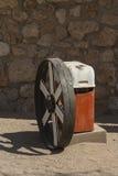 Verlaten die voertuigdelen voor werfkunst bij Patience, Namibië worden gebruikt Royalty-vrije Stock Foto's