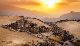 Verlaten dorp in de bergen stock fotografie