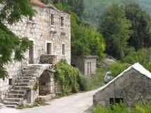 Verlaten dorp rond Markaska in Kroatië Stock Foto's