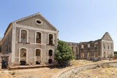 Verlaten fabriek in Spanje stock foto's