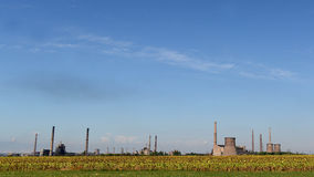 Verlaten fabriek voor de vervaardiging van metalen in Bulgarije royalty-vrije stock foto's