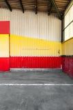 Verlaten garage Stock Foto