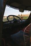Verlaten hippiebestelwagen Royalty-vrije Stock Fotografie