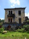 Verlaten Huis Stock Afbeeldingen