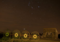 Verlaten huis met sterren Stock Afbeeldingen