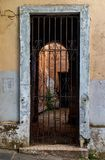 Verlaten huis in Oud San Juan stock foto