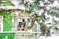 Verlaten huis in sneeuw Royalty-vrije Stock Afbeelding