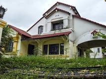 Verlaten huis in Thailande Stock Afbeelding