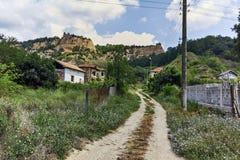 Verlaten huizen van de 19de eeuw in dorp van Zlatolist, Bulgarije stock foto's