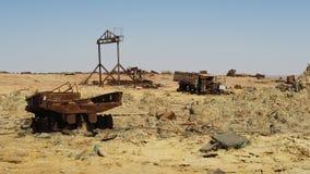 Verlaten karkas in de woestijn royalty-vrije stock afbeeldingen