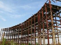 Verlaten metaalbouw stock fotografie