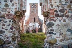 Verlaten middeleeuwse kerk van heilige Barbara royalty-vrije stock foto's