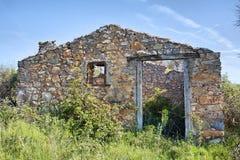 Verlaten Olive Grove Stone Hut Royalty-vrije Stock Afbeeldingen