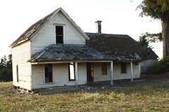 Verlaten oud huis Royalty-vrije Stock Afbeeldingen