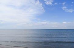 Verlaten overzees strand Stil overzeese Overzees oppervlaktelandschap stock afbeelding