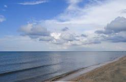 Verlaten overzees strand Stil overzeese Overzees oppervlaktelandschap stock fotografie