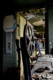 Verlaten Projectiemateriaal & Spoel - Verlaten Verscheidenheidstheater - Cleveland, Ohio stock foto