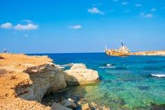 Verlaten roestig schipwrak EDRO III in Pegeia, Paphos, Cyprus stock fotografie