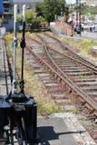 Verlaten spoorlijn op het gebied van de werf van Bristol op 14 Mei, 2019 stock foto's