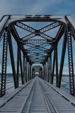 Verlaten spoorlijnbrug in Barachois, Quebec, Canada Royalty-vrije Stock Afbeeldingen