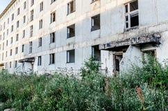 Verlaten Stad Lege gebouwen Post apocalyptische stad stock afbeelding