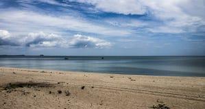 Verlaten strand Royalty-vrije Stock Afbeeldingen