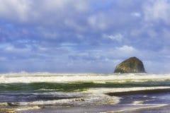 Verlaten Strand bij Vreedzame Stad op de Kust van Oregon Stock Fotografie
