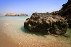 Verlaten strand in Dhofar stock foto