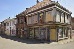 Verlaten straten en huizen in Doel, België Stock Afbeeldingen
