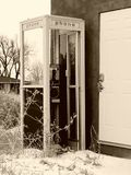 Verlaten Telefooncel stock foto's
