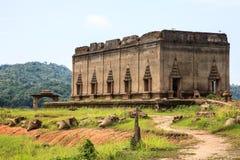 Verlaten tempel bij KANCHANABURI-Provincie van Thailand Stock Foto's