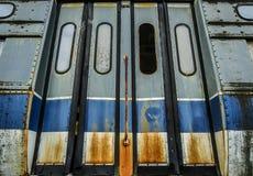 Verlaten Tram met Geroeste Deuren Royalty-vrije Stock Fotografie
