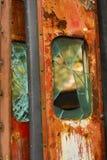 Verlaten Tramdeuren met Gebroken Vensters Royalty-vrije Stock Foto's