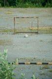 Verlaten voetbalgebied stock afbeelding