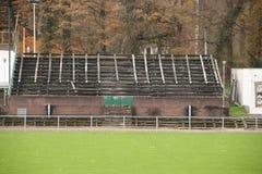 Verlaten voetbalstadion in Wageningen genoemde Wageningse Berg stock foto