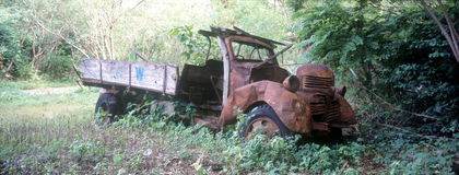 Verlaten vrachtwagen Stock Afbeeldingen