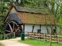 Verlaten watermill. royalty-vrije stock foto
