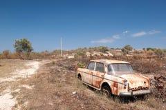 Verlaten, wijnoogst, oude auto, stock foto's
