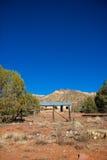 Verlaten woestijncabine stock foto