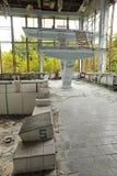 Verlaten zwembad in de stad van Pripyat Stock Foto's