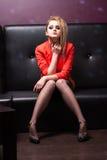 Verleidelijke blond in de club Royalty-vrije Stock Afbeelding