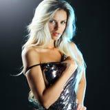 Verleidelijke jonge sexy van het de studioportret van de blondevrouw dichte omhooggaand royalty-vrije stock foto's