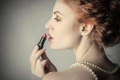 Verleidelijke rode lippenstift Royalty-vrije Stock Foto's