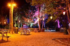 Verlicht Picknickgebied Stock Afbeelding